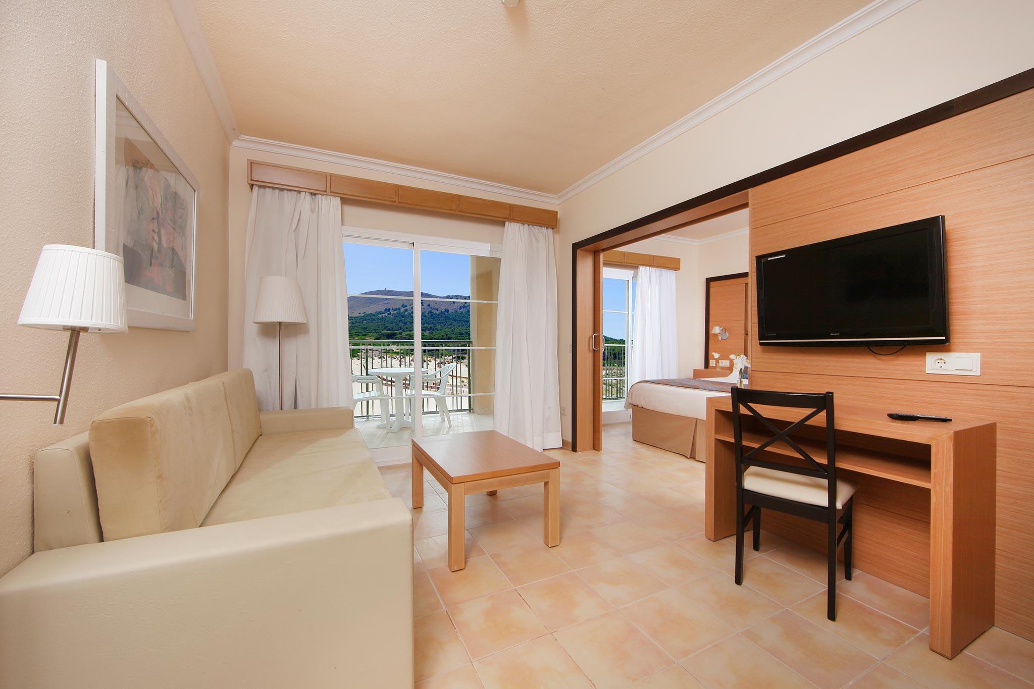Zimmer hotel zafiro cala mesquida bilder und for Zimmer hotel