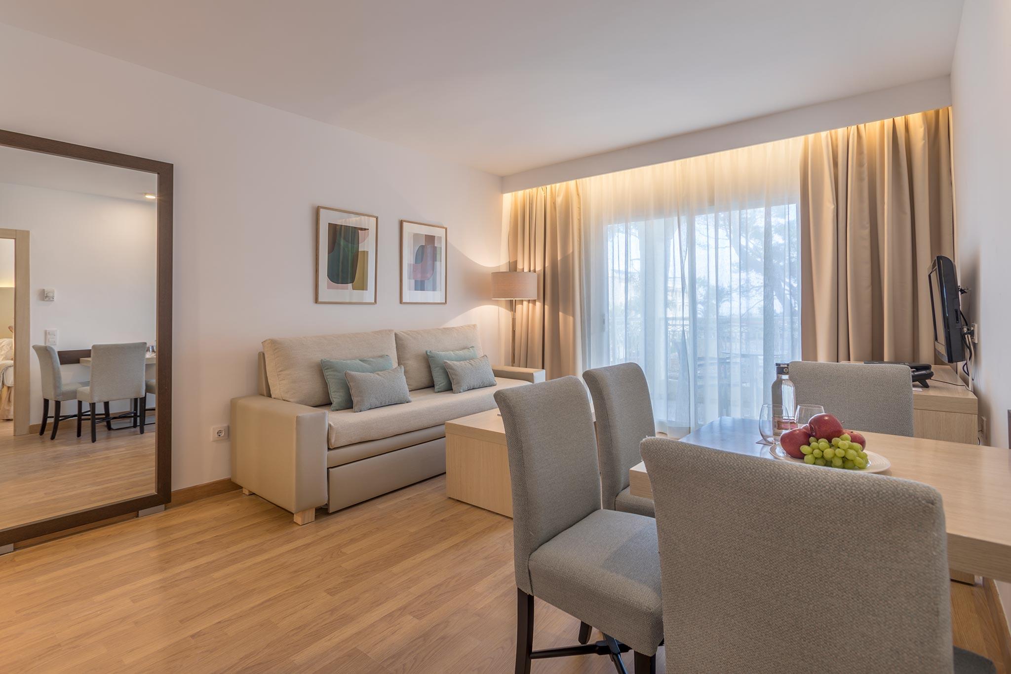 Zimmer hotel zafiro bahia bilder und zimmerausstattung for Zimmer hotel