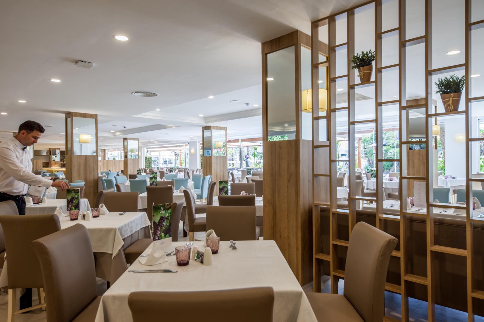 Gastronomy And Restaurants Hotel Zafiro Palmanova